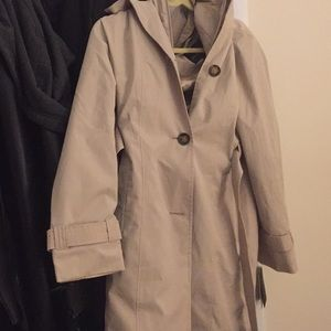 Never before worn London Fog raincoat with tags
